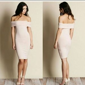 Dresses & Skirts - 🎉 Sale! Off Shoulder Midi Dress